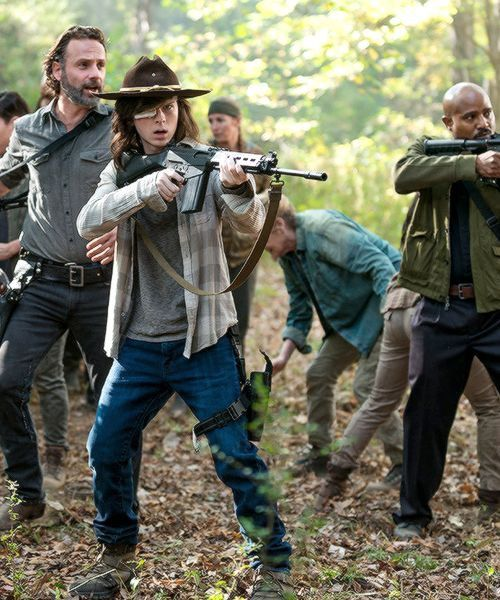 The Walking Dead Carl Grimes ( Chandler Riggs ) - Rick Grimes ( Andrew Lincoln )