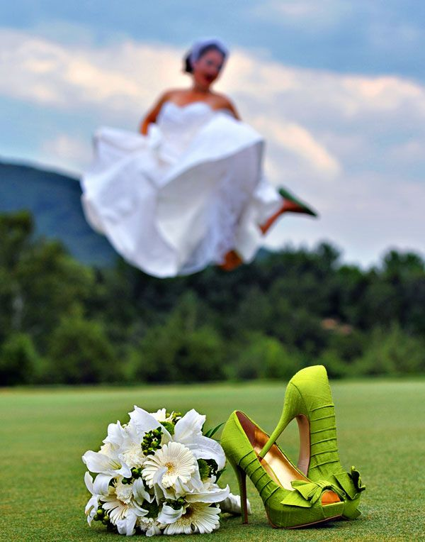 """bridalguide.com , thank you for """"showcasing"""" one of my creative wedding images!!"""" ~ mk"""