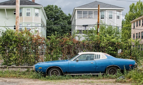 Dodge Charger SE 1973 en Stafford Street. Worcester, Massachusetts