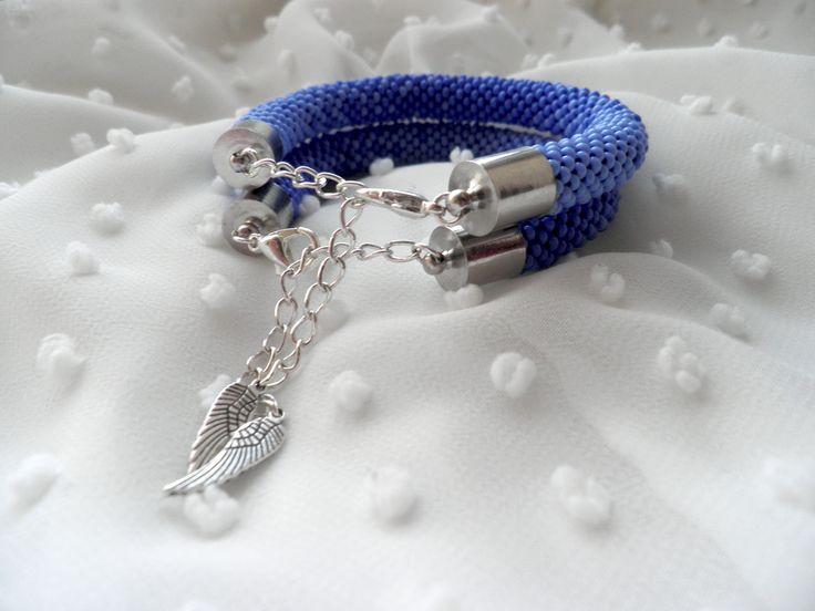 Ознакомьтесь с моим проектом в @Behance: «Парные браслеты» https://www.behance.net/gallery/47052803/parnye-braslety