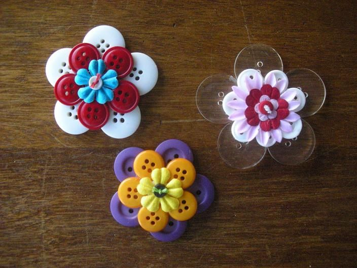 Auntie T's Gallery: Stacked Flowers - Buttons 3