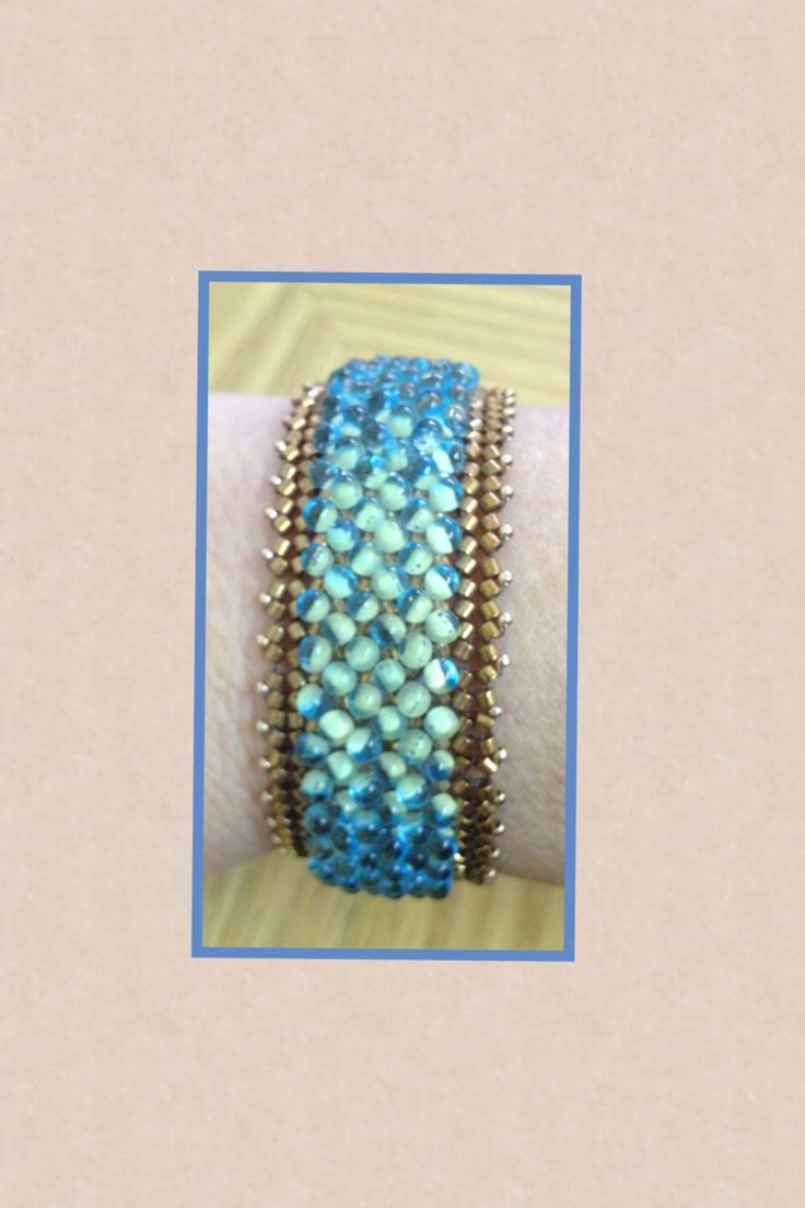 Haringbon bracelet with Delica beads and drops