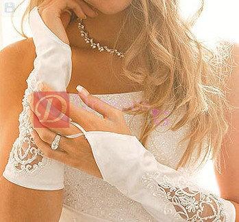 Lace satin half sleeve wedding glove