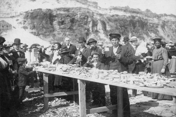 773 Bay Beach clambake, Newport OR, 1900's (Oregon Digital)