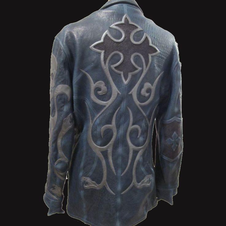スターリングシルバーを使用し、職人の手によって加工されるクロムハーツのアクセサリーは非常に高価です。ですから気軽にクロムハーツのデザインを身に着けることができる『クロムハーツ(CHROME HEARTS)の洋服・古着』は非常に人気があります。 https://ureruyo.com/brand-furugi/chromehearts/ ウレルでは『クロムハーツ(CHROME HEARTS)の洋服・古着』を高価買取いたします!特にアイコンが象られたチャームが付いたアイテムは高価買取のチャンス!お気軽にご相談ください。