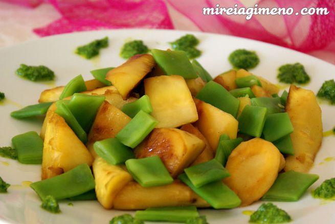 Salteado largo de chirivías con judías verdes - receta vegana. Curso profesional de Nutrición Vegana en ICNS.