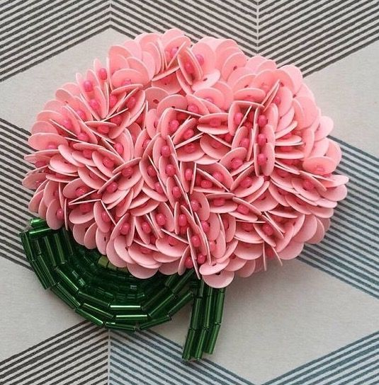 Rosa bordada