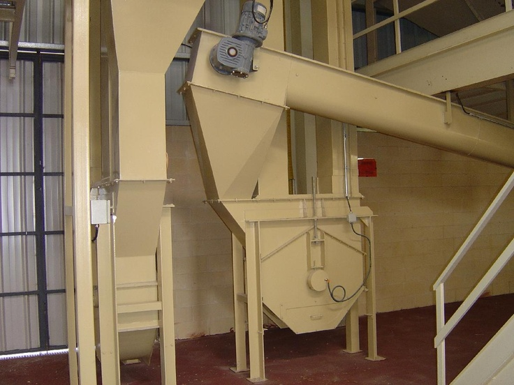 Feed mill conveyor