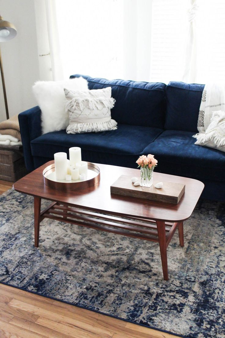 25 best ideas about navy couch on pinterest navy blue for Living room furnishings and design