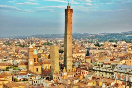 best-design-guides-north-italy-one-day-in-bologna-asinelli-tower