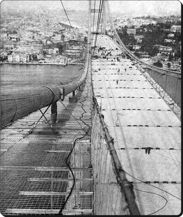 Yapım halinde Boğaziçi Köprüsü (1973) #istanbul #birzamanlar #istanlook