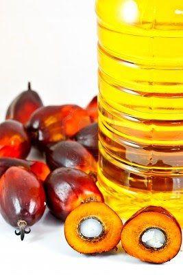 Coucou, aujourd'hui je viens vous faire un post sur l'huile de palmiste. C'est une hui...