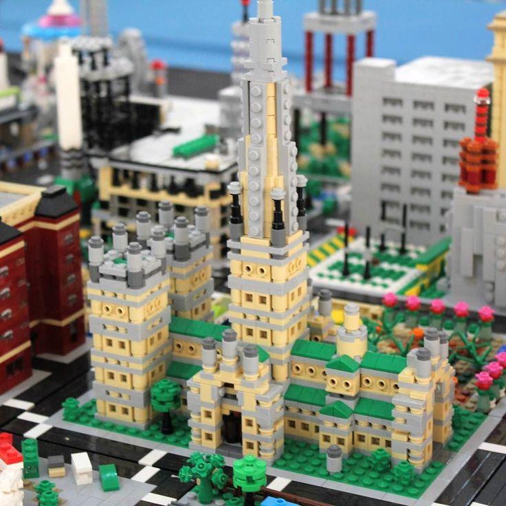 Amazing builds seen at #arteempeças #comunidade0937 #expofacic #cantanhede #portugal #legoevent #afol #instaafol #minifigs #minifigures #set #legominifigures #legophotography #legoafol #brickcentral #bricks #brick #bricknetwork #instalego #legostagram #lego_hub #toyphotography #photography #toy #city #microbuild #microscale #smallbigcity #lastphoto
