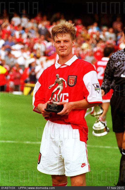 STOCK IMAGE - STEFAN SCHWARZ  Arsenal FC and  Swedish International.  (Holding a Trophy after Arsenal's win against Napoli in the Makita International Tournament)  COMPULSORY CREDIT: UPPA/Photoshot Photo  UGL 0... by www.DIOMEDIA.com