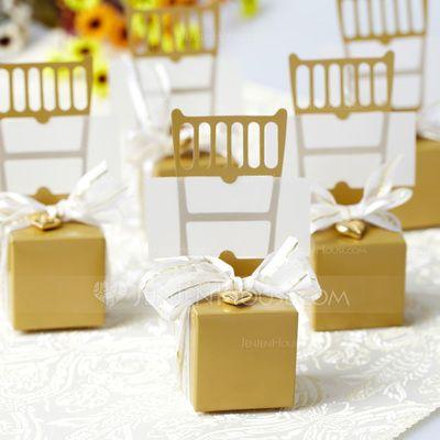 Geschenkverpackungen - $2.79 - Stuhl Entwurf Geschenkboxen mit Bänder/Herz-Charme (Satz von 12) (050005519) http://jenjenhouse.com/de/Stuhl-Entwurf-Geschenkboxen-Mit-Baender-Herz-Charme-Satz-Von-12-050005519-g5519