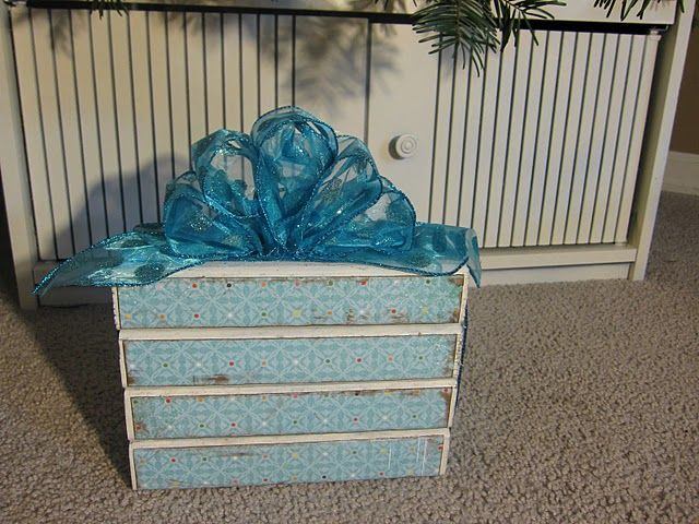 2x4 present