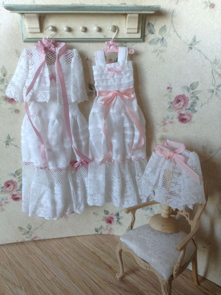 night dressers is made with old lace wwwpilarcallees  Miniatures  Pinterest
