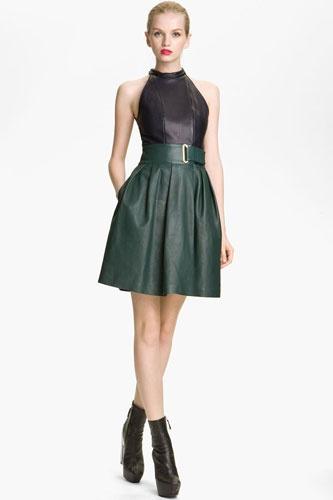 Leather halter?!: Fashion, Fullskirt Dresses, Halter Tops, Bridal Dresses, Super Sexy Halter, Kenzo Leather, Black Leather Dresses, Halter Dresses, Bring Em