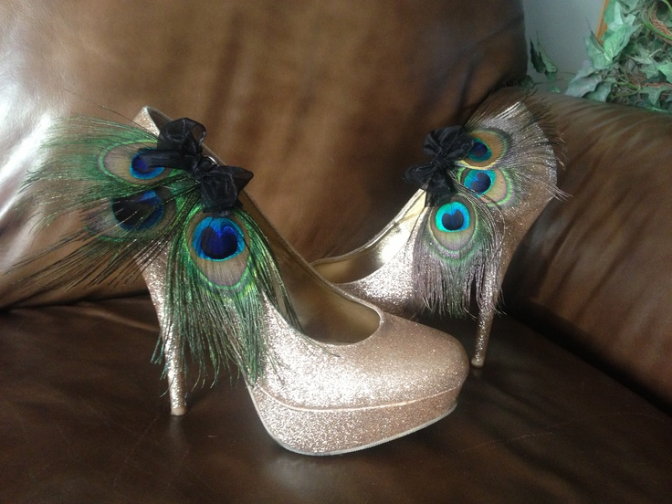 DIY Peacock shoes for my Halloween costume!!  Easy to make without ruining my heels