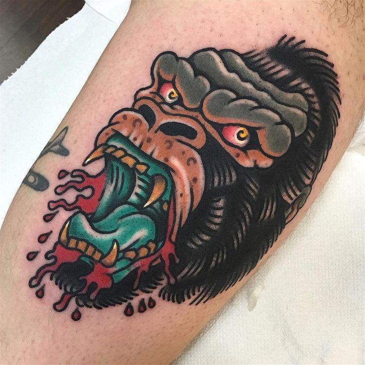 Consulta esta foto de Instagram de @gianluca_artico • 282 Me gusta gorila tatuaje pierna tatuaje gorilla traditional tattoo tradicional tatuaje