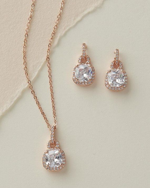 Set of 5 Bridesmaid Earings and Necklace Set Crystal Teardrop Earrings Bridal Jewelry Bridesmaid Gift Wedding Earings Bridesmaid Jewlery Set