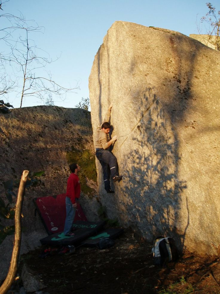 #Budiño , sector campo de Bulder. #españa http://saboraroca.blogspot.com.es/search/label/Budiño  Escalada Galicia.