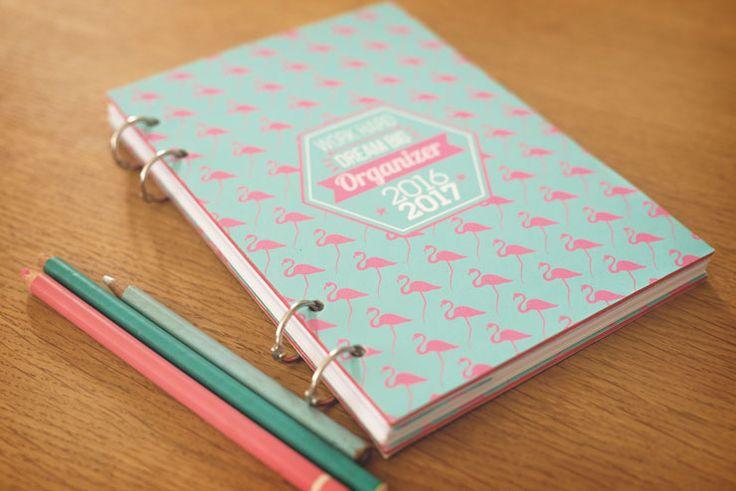 Je vous propose un nouveau DIY pour réaliser votre agenda 2016-2017, de A à Z, pour un accessoire totalement personnalisé.