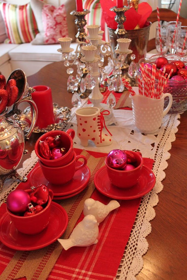430 best images about winter tablescapes on pinterest valentines day party friendly village. Black Bedroom Furniture Sets. Home Design Ideas