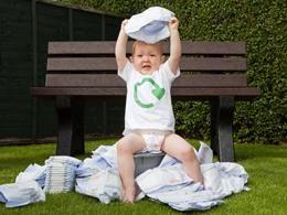 Zero Waste Scotland è un programma pilota che vuole raccogliere porta a porta i #pannolini usa e getta per #riciclarli e creare una vasta gamma di prodotti, tra cui panchine, mobili da giardino, terrazze, dissuasori, traversine ferroviarie, recinzioni, tegole e tubi di cartone. #RicicloCreativo su @marraiafura