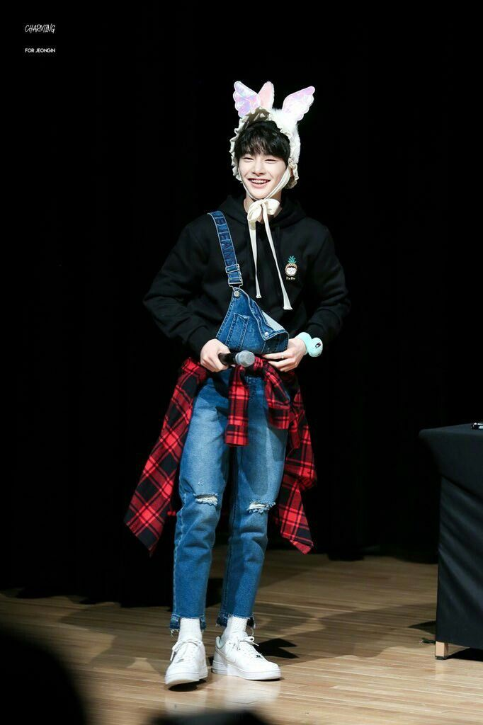 130 best JeongIn (STRAY KIDS) images on Pinterest