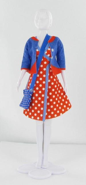 Naaipatroontje Patsy Polka dots  Met Dress your Doll kunnen kinderen zelf aan de slag om de garderobe van hun 30cm poppen uit te breiden.