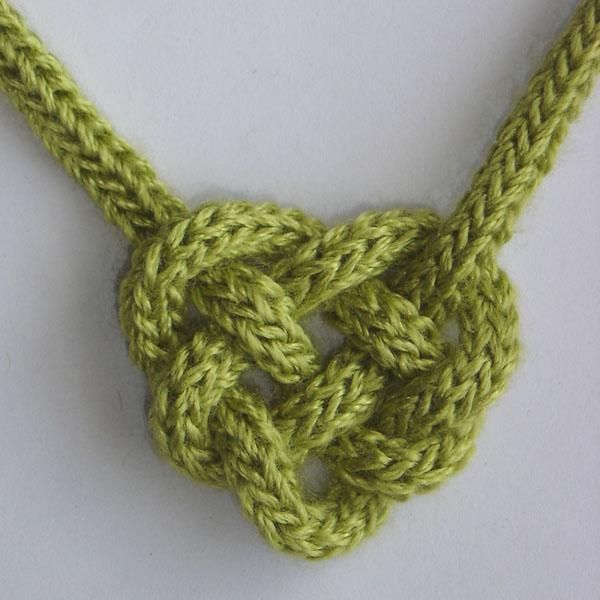 (6) Name: 'Knitting : Celtic Heart Knot #910
