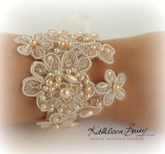 Orné de dentelle R650 Rock glamour bracelet - manchette de dentelle de mariée mariage cristal et perle - accessoires de mariage