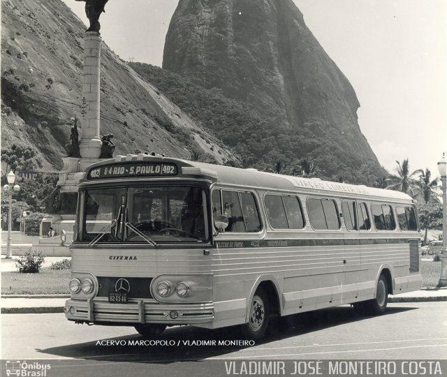 Ônibus da empresa Viação Cometa, carro 402, carroceria Ciferal Flecha de Prata, chassi Mercedes-Benz O-326. Foto na cidade de Rio de Janeiro-RJ por VLADIMIR JOSÉ MONTEIRO COSTA, publicada em 15/05/2016 00:32:16.