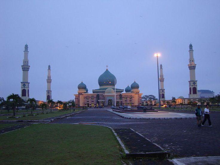 Masjid Agung An Nur Pekanbaru, Indonesia