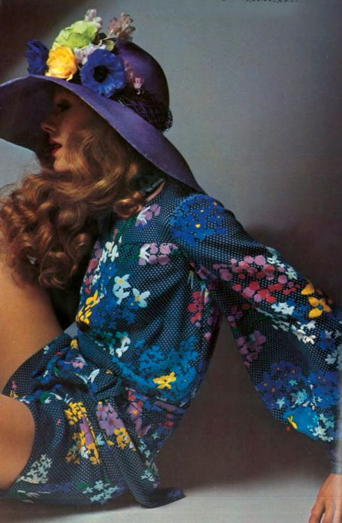 Photo by Guy Bourdin, 1971.