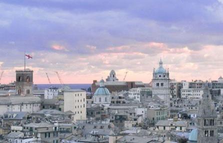 Giornata del camminare 2012: alla scoperta del centro storico.  Una mattinata di trekking per conoscere la parte più antica della città. 35 tappe da Principe alla Maddalena, da Sant'Agostino a San Matteo. Domenica 14 ottobre.