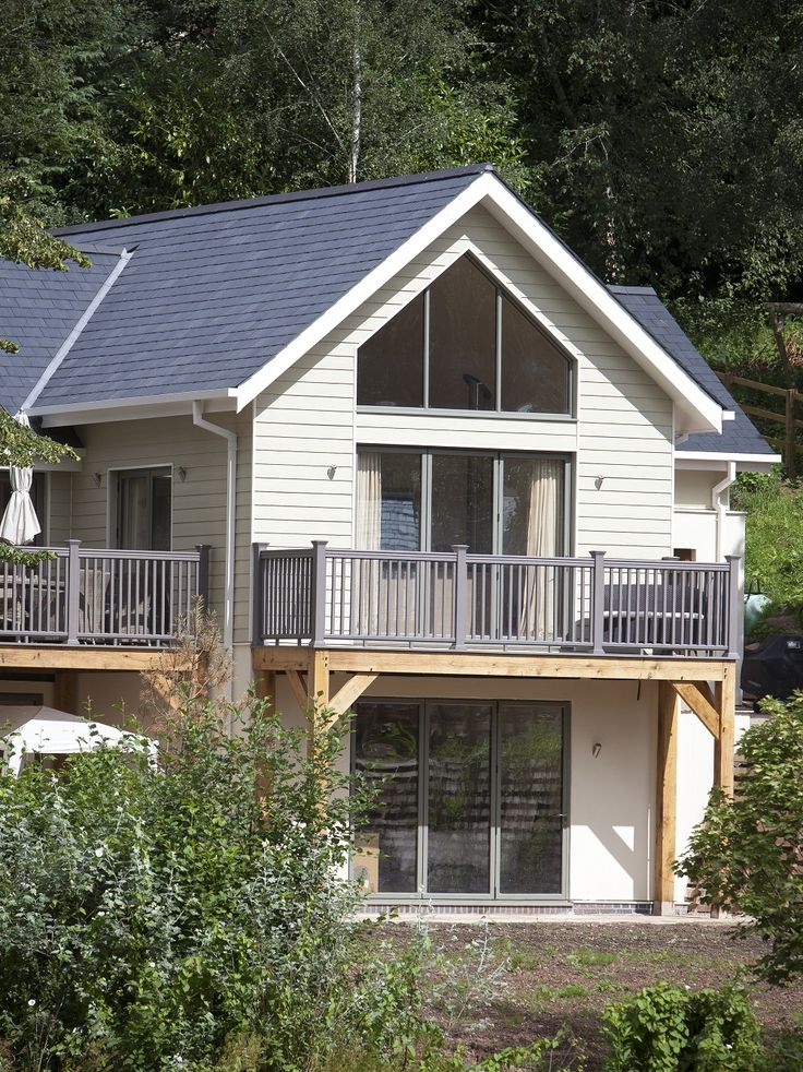 Agincourt Estates has chosen Cedral Weatherboard as a low maintenance alternative to timber cladding on its exclusive development of New England style homes in the Wye Valley. #Cedral #Lap