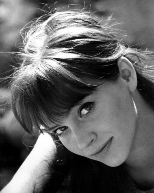 Pretty bangs~Anna Karina