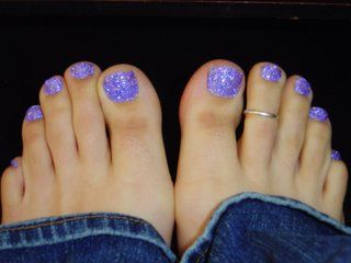 I do Gel Glitter toes, but I like this color! I think I'll try mixing up this combo