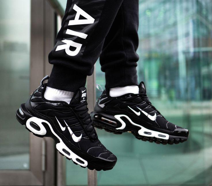Nike Air Max Plus Tn Black White Double Swoosh 4 Black Double Swoosh White Nike Schuhe Sneakers Mode Nike Schuhe Outfits
