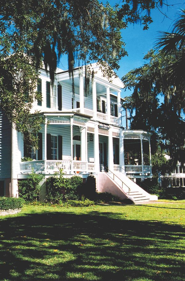When visiting Beaufort, South Carolina, founded 300 years ago, you can't help but be curious about its history. Why are all these beautiful antebellum homes still here? Who were the people who built them, what did they do, and what was it like to live that lifestyle?