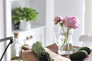 Tagliatelle z domowym pesto i szparagami