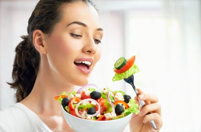 gruener kaffee extrakt salat essen schoene frau salat reis fleisch und fische