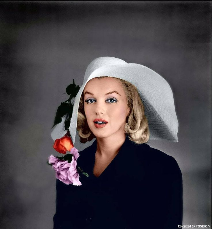 Marilyn Monroe photographed by Carl Perutz,1958, colorized by Toshio Y., 2014.