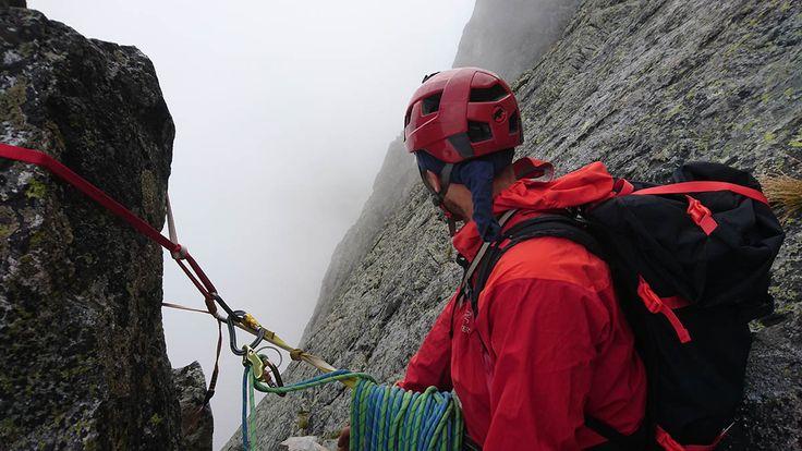 Šádek je krásna a ľahká horolezecká cesta na Baraních Rohoch. Je to IV UIAA horolezecká klasifikácia. Takmer všetky štandy sú spravené. Odporúčam.