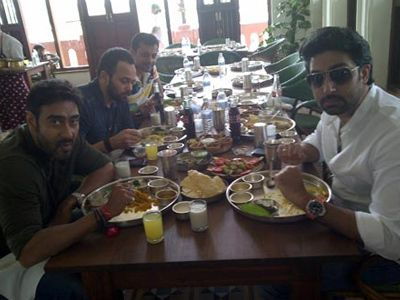 Bol Bachchan crew gorges Ahmedabad delicaies!