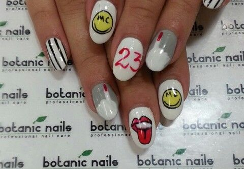 Miley Cyrus inspired nails