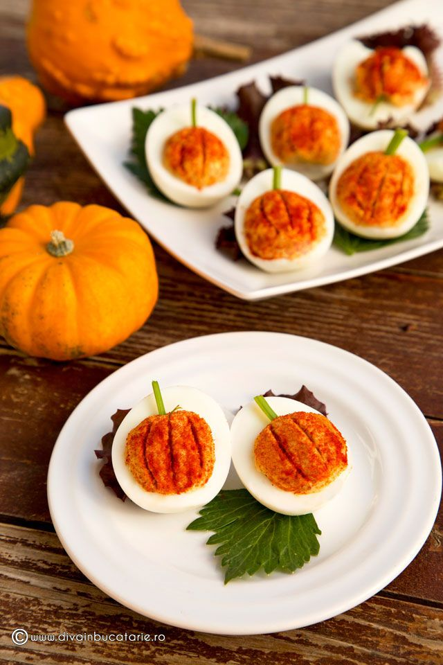 Autumn Eats | Eggs Stuffed Like a Pumpkin | oua-umplute-dovleac | Recipe by Diva in buctarie #egg_recipes #stuffed_eggs #autumn_eats