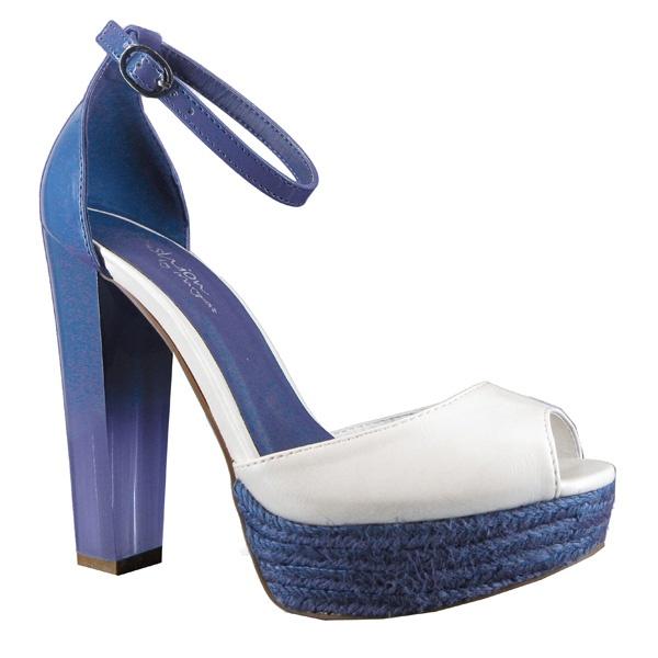 Os seguimos dejando disfrutar de nuevos detalles de la colección de #primavera. ¿Qué os parecen estas sandalias?    #shoes #marypaz #zapatos #mujer #moda #tacon